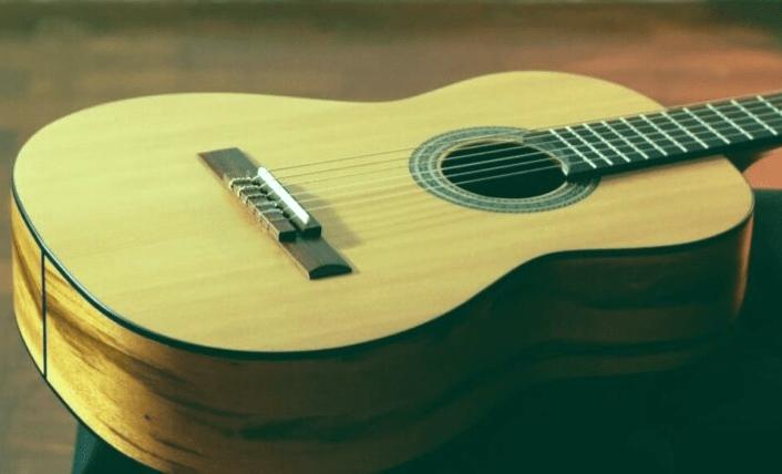 Las 5 mejores guitarras clásicas